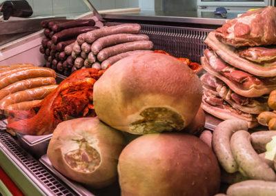 Várvölgy húsbolt hűtőpult